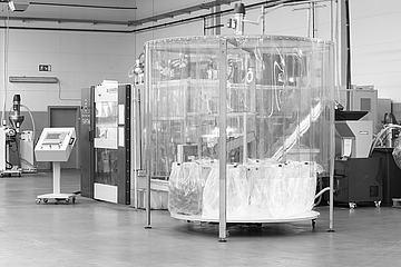 Blasform-Anlage zur Herstellung von Redon-Flaschen
